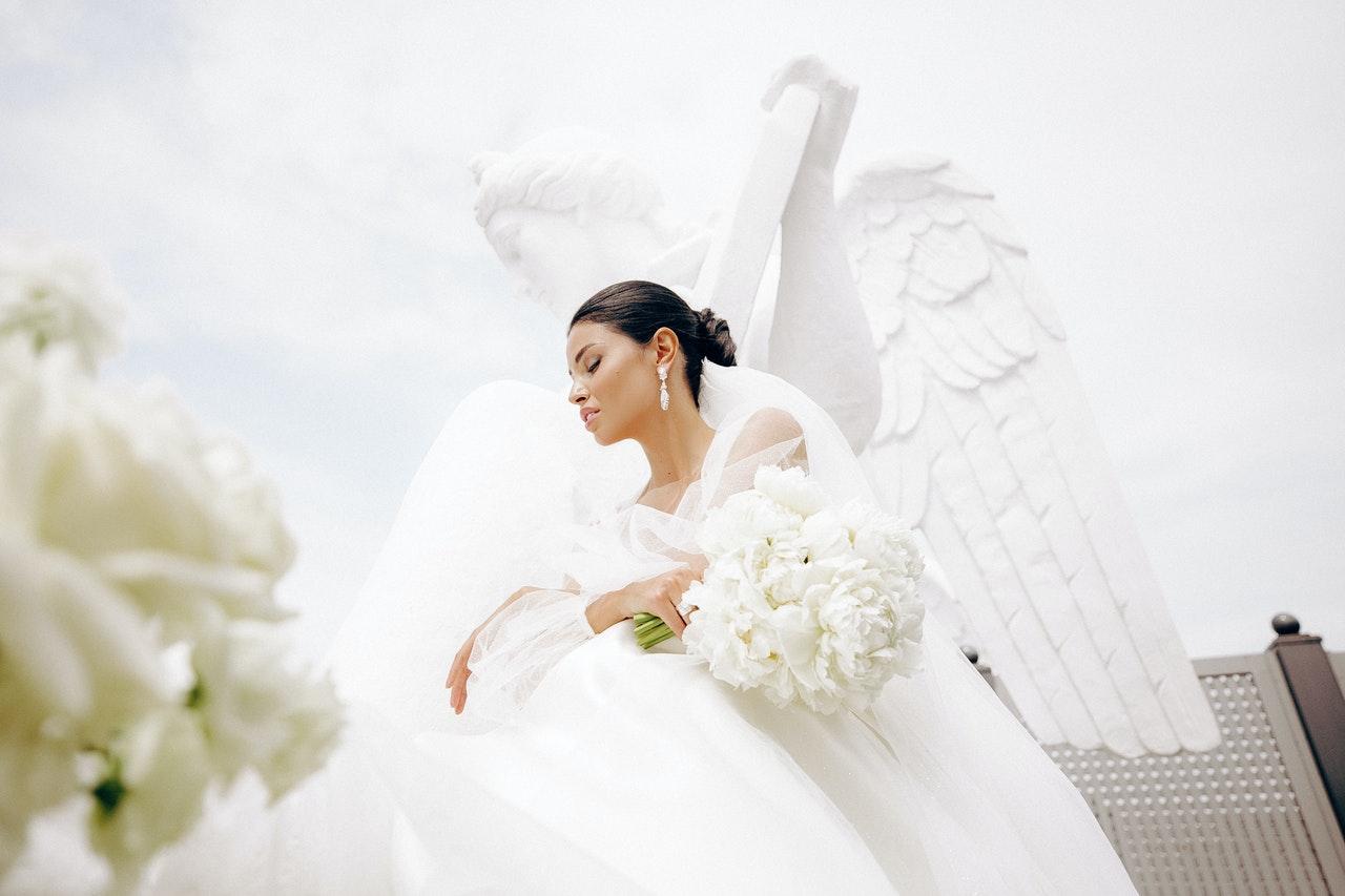 How Do Gypsy Afford Big Weddings